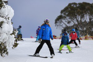 snowsports primary students learning to ski