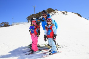 Primary students on the Hotham slopes